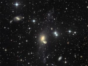 NGC 5291 درحال بازیافت!(Recycling)