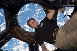 بانوی فضانورد رکورد حضور را در فضا شکست