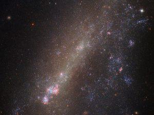 تصویر جدید هابل از کهکشانی در حال برهمکنش با همسایه خود