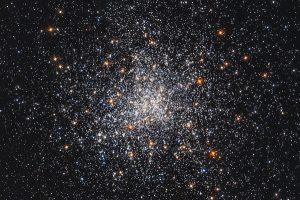 در تصویر جدید هابل طوفانی از ستارهها مشاهده شده