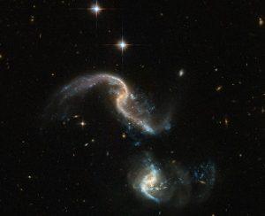 تصویر جدید هابل از دو کهکشان در حال برخورد با هم