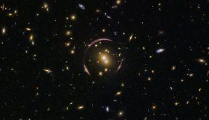 ثبت تصویری از حلقه اینشتین در اطراف یک عدسی کیهانی