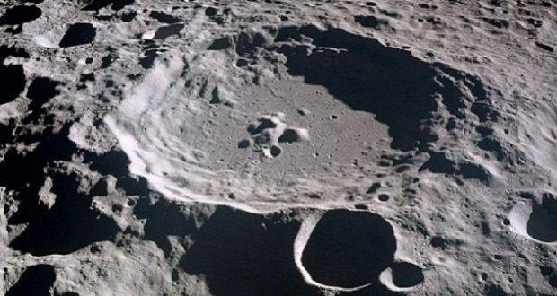 بشر به کشف آب در ماه نزدیک شد